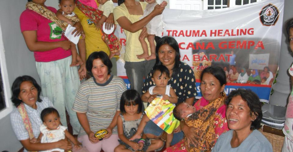 Trauma healing gempa Padang