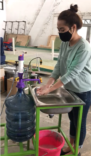 UNDIP lawan COVID-19 - inovasi cuci tangan sensorik